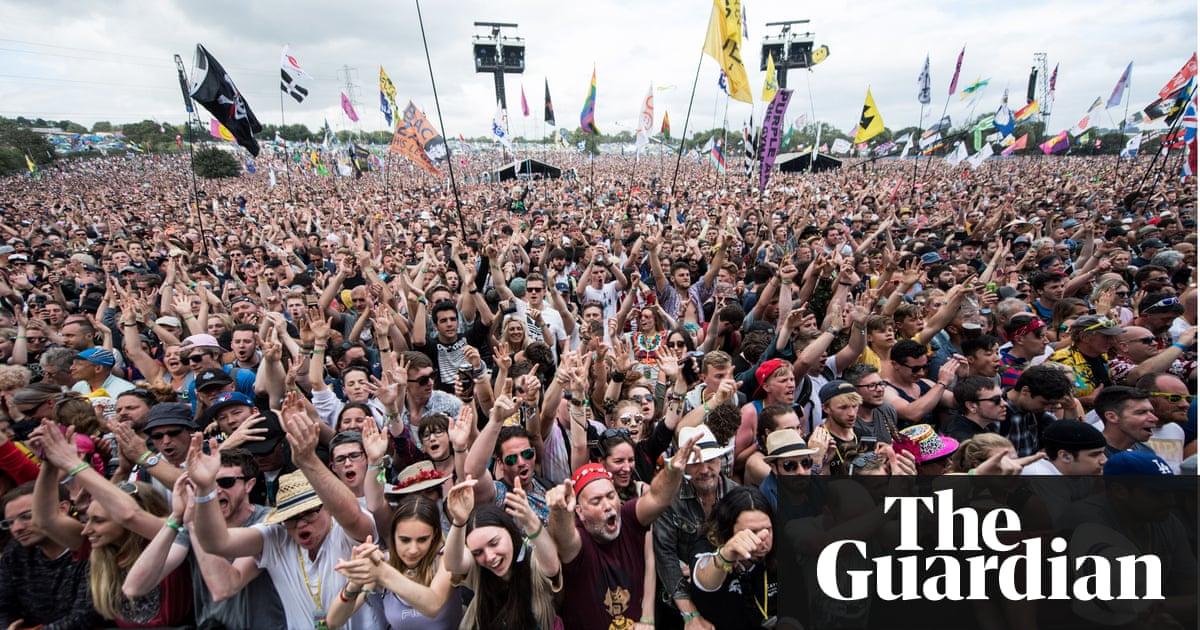 Glastonbury festival set to ban plastic bottles in 2019