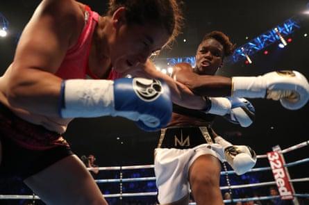 Nicola Adams fights Virginia Noemi Carcamo in Manchester, 2017.