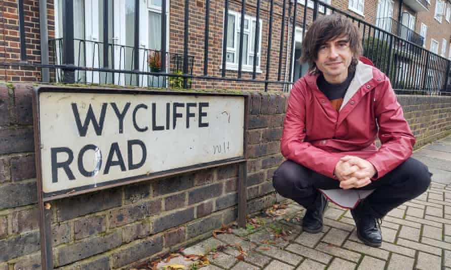 Danny Robins in Wycliffe Road, where the events in The Battersea Poltergeist occurred.
