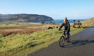 Cycling to Laig Laig Bay, Eigg