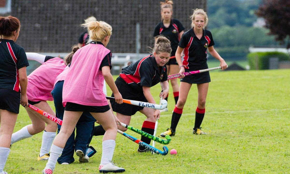 Girls playing sports — pic 9