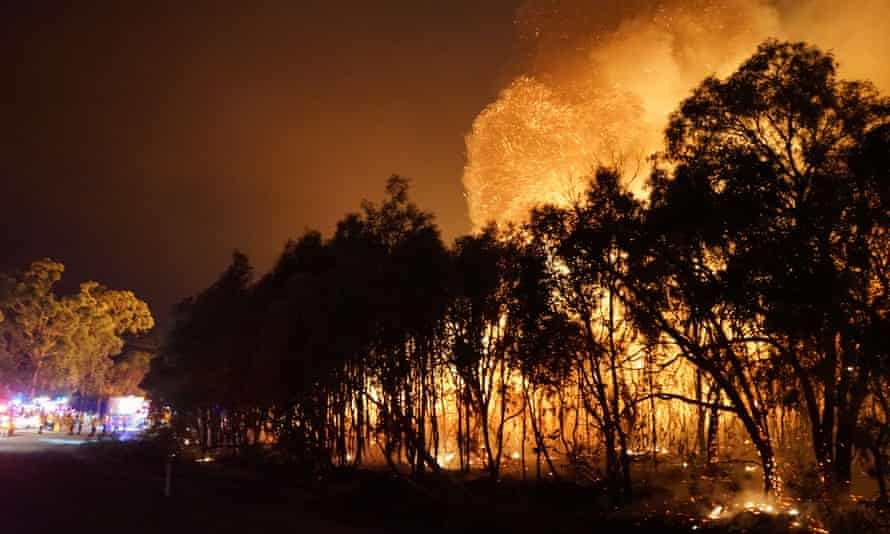 Two dozen former fire and emergency chiefs from all over Australia want the next prime minister to ensure emergency services have the resources to fight natural disasters caused by climate change.