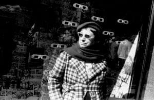 Mulher de óculos, 1983.