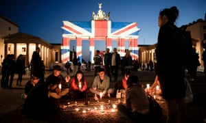The Brandenburg Gate in Berlin tonight.