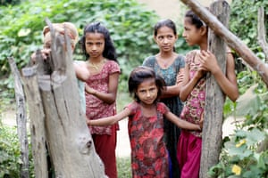 Young girls in Kabhre district, south-east of Kathmandu, Nepal