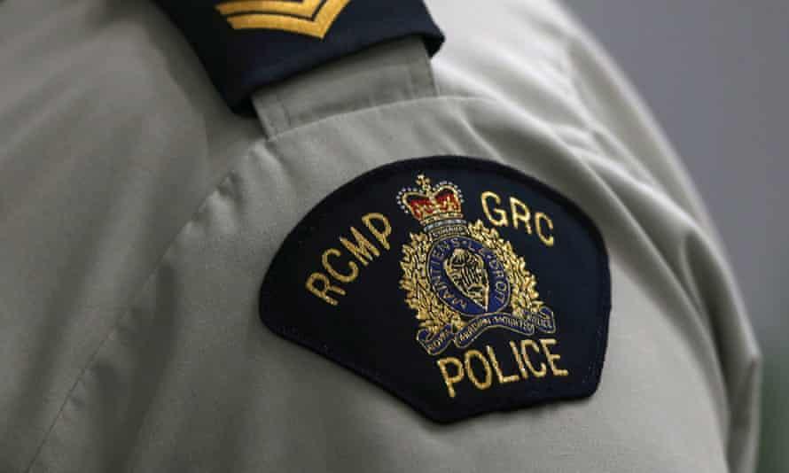 Royal Canadian Mounted Police badge