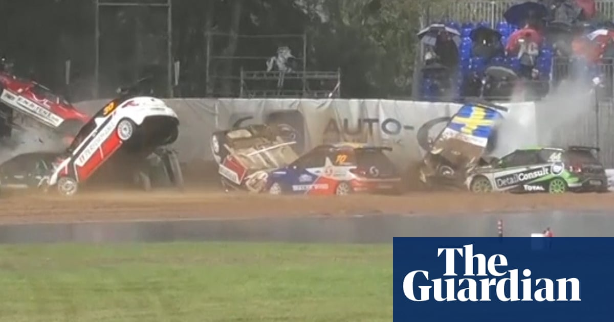 Eleven cars skid into mass pile-up in Citroën DS3 Cup race – video