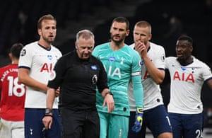 Hugo Lloris appeals to referee Jonathan Moss.