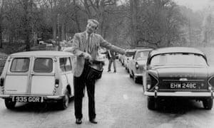 1960s queue for the safari park