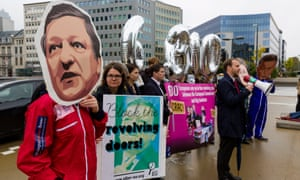 Activists dressed as José Manuel Barroso protest against him taking a job at Goldman Sachs.