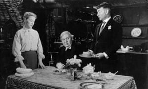 Brenda de Benzie, Charles Laughton and John Mills in Hobson's Choice, 1986.