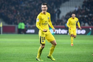 Giovani Lo Celso in action for PSG against Lille.