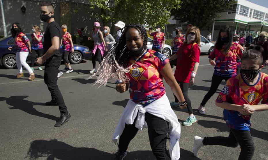 Dancing to Jerusalema in Johannesburg