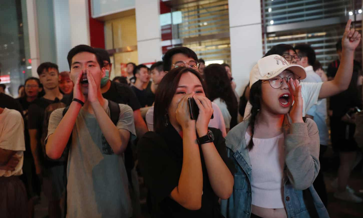 Hong Kong's dilemma: fight or resist peacefully