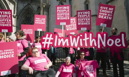 Campaigners from Dignity In Dying protest outside the Royal Courts on 1 May  2018