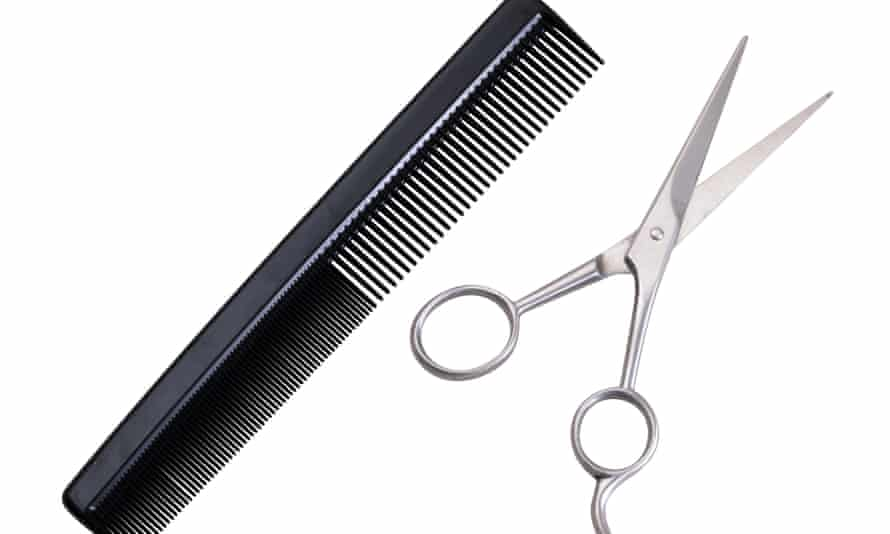 Hairdresser's scissors and comb