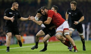 France's Yoann Maestri gets to grips with Nehe Milner-Skudder.