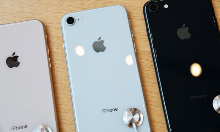 pretty nice b7798 71983 iPhone 8: glass back 'very difficult' to repair and costs more than ...