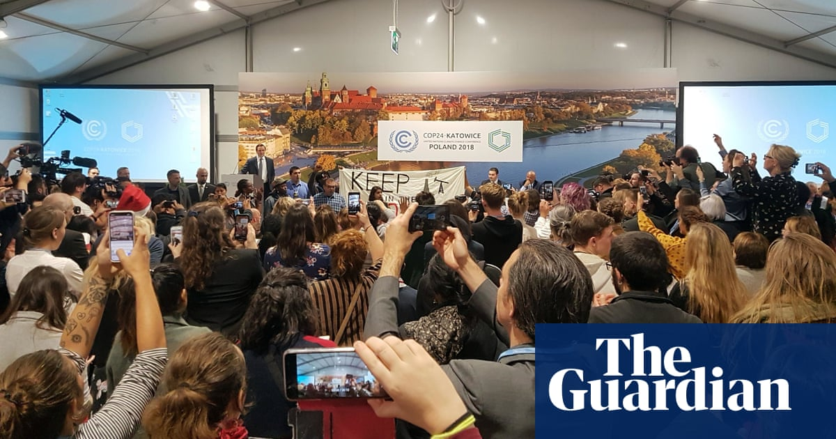 Protesters disrupt US panel's fossil fuels pitch at climate talks