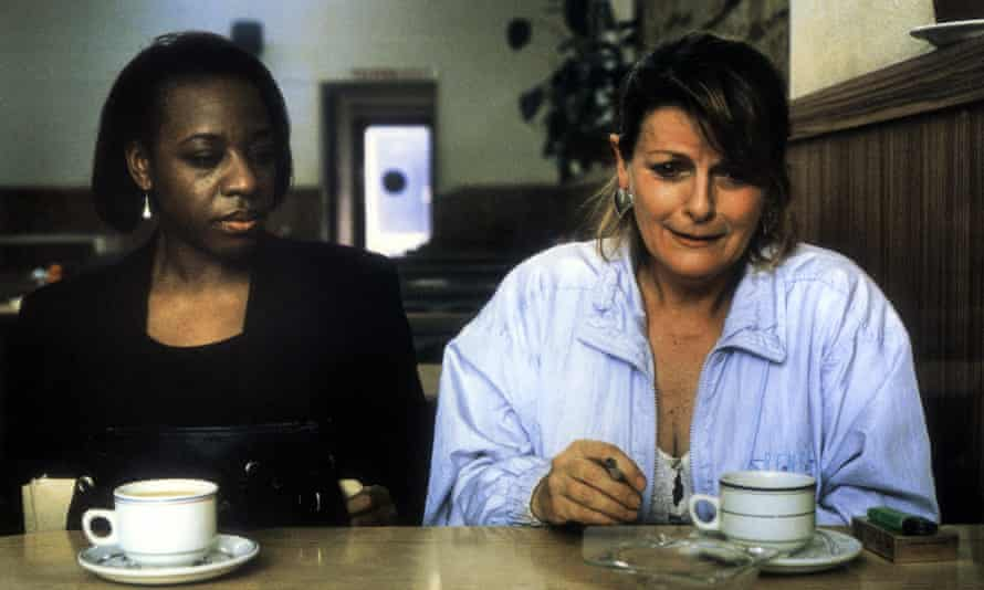 Marianne Jean-Baptiste and Brenda Blethyn in Secrets and Lies, 1996.