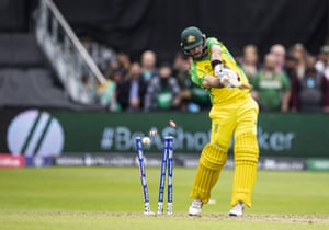 Maxwell is clean bowled by Shaheen.