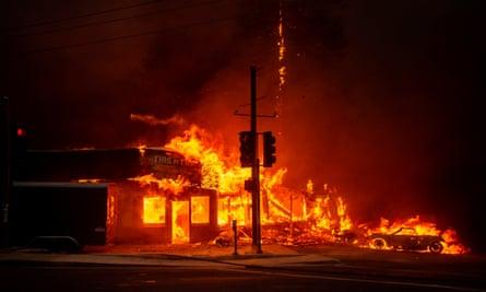 Fires in paradise california 2018