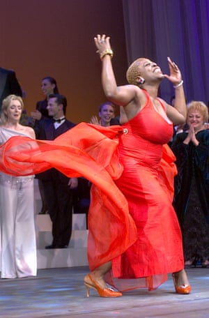 Lillias White appears for the curtain call of the benefit concert of the musical Funny Girl, 2002, at Madame Tussaud's Wax Museum in New York