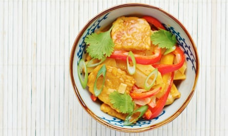 In Thai restaurants, you can ask for vegetable curries to be prepared with the massaman pastes of the far south, which omit shellfish.