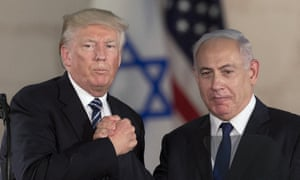 Donald Trump and Benjamin Netanyahu shake hands at the Israel museum in Jerusalem on 23 May 2017