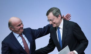 Here's the moment Mario Draghi left his press conference, with a pat on the back from Vice President Luis de Guindos