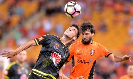 A-League: Wellington Phoenix upset tired Roar in Brisbane