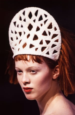 Karen Elson at the Chanel Ready-to-Wear Autumn/Winter 97/98 show in Paris, France
