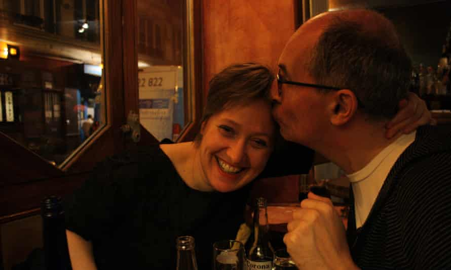 Fiona Freedland with her husband, Robin, in Paris, 2011.