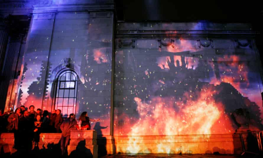 Made in Hull: The story the History of a City and its People: light and sound projection on to the walls of the Ferens gallery