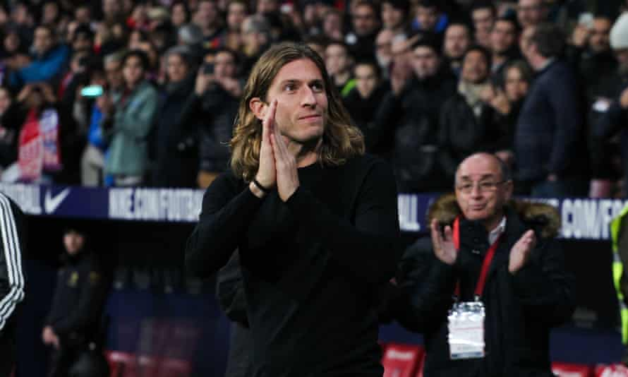 A warm welcome for Filipe Luis on a visit to Atlético Madrid last January. He had left the club at the end of the previous season.
