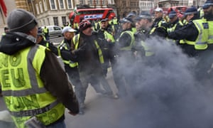 Small group of activists modelling themselves on gilets jaunes