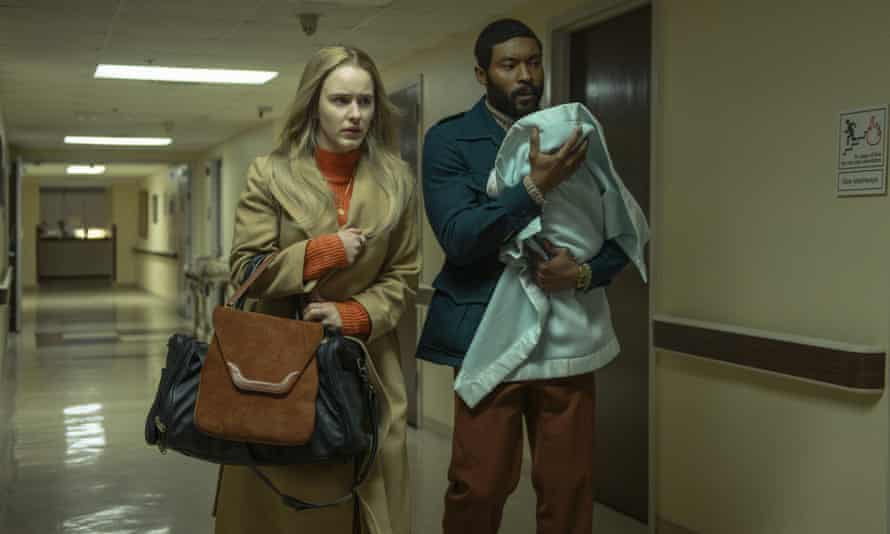 Rachel Brosnahan and Arinzé Kene in I'm Your Woman.