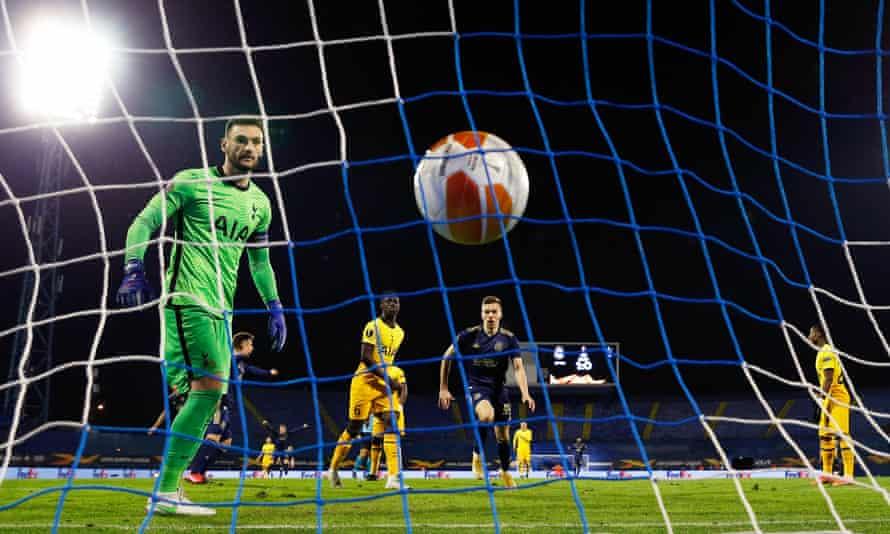 هوگو لوریس به گل دوم میسلاو اورسیچ واکنش نشان داد و باعث تساوی وقت های اضافی شد.