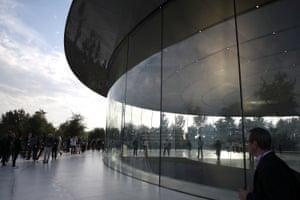 The Foster-designed Apple Park visitor centre (2017) in Cupertino, California.