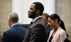 R Kelly appears for a hearing at Leighton Criminal Court Building in Chicago