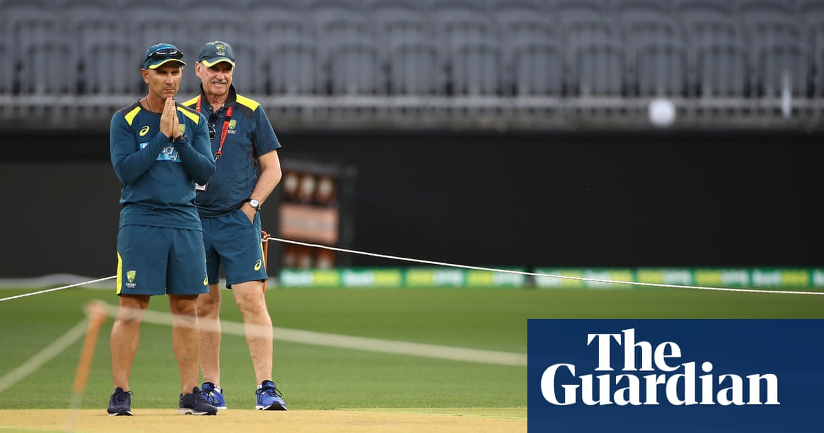 No canyons but lots of cracks for first Test between Australia and New Zealand