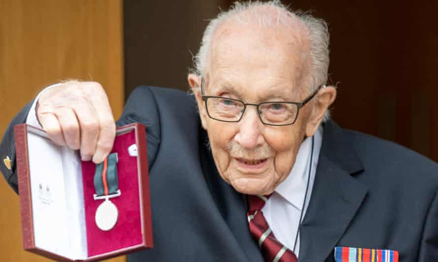 Tom Moore with the Yorkshire Regiment medal he received along with his new rank of colonel to mark his 100th Birthday.