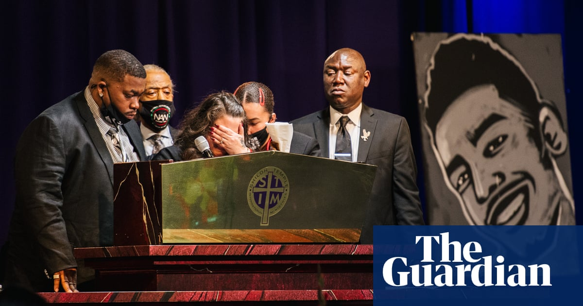 'My son should be burying me': Calls for police reform at Daunte Wright's funeral – video