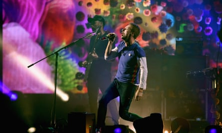 Coldplay win Best British group at the Brits 2016.