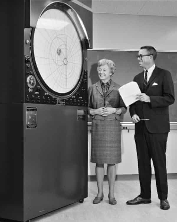 Margaret Burbidge receiving a Musser Copernican Planetarium, showing the movement of the planets round the sun, on behalf of UC San Diego in 1967.