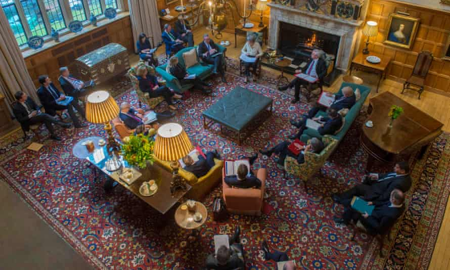 Chequers away-day: May met cabinet ministers to talk about the EU future partnership.