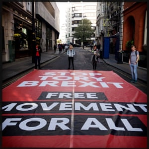 Street signs: free movement banner.