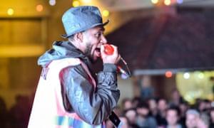 Yasiin Bey performing in August 2015.