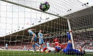 Álvaro Negredo makes an early impact on his Premier League return
