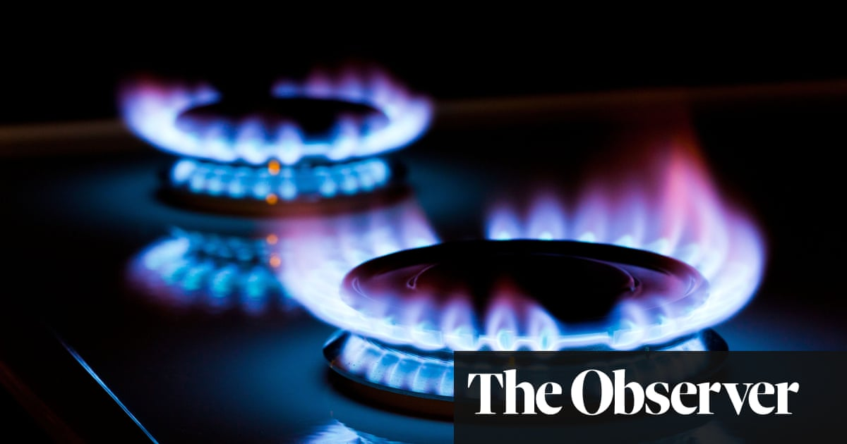 Calls for social tariff on UK energy bills as rises push extra half million homes into fuel poverty